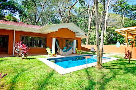 Spacious, Peaceful Central Pacific Jungle House