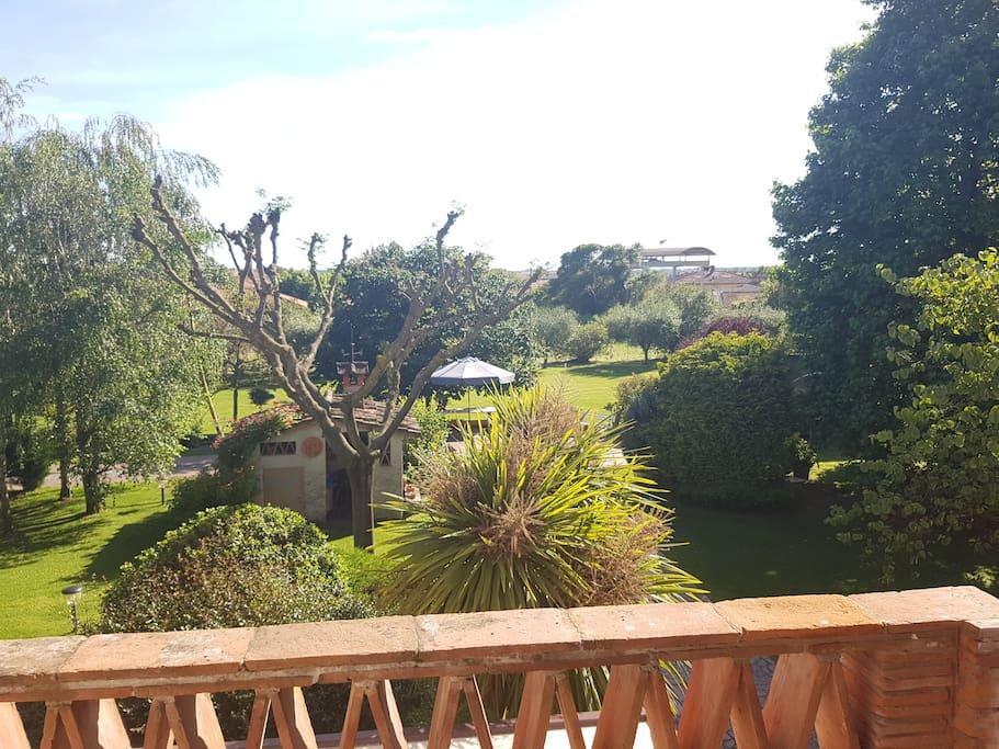 Vista del giardino dalla camera da letto