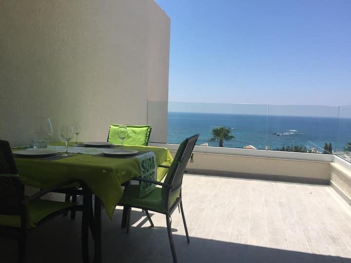 Enjoy  The spectacular panoramic sea views