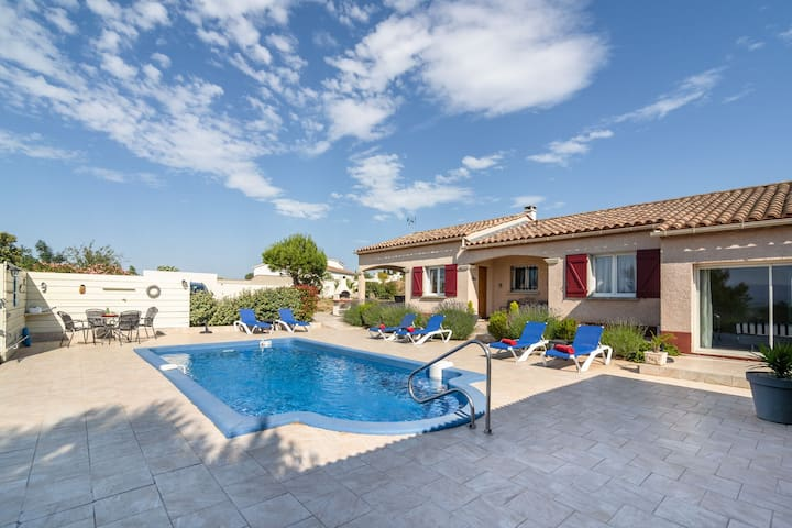 Luxury Villa with Private Swimming Pool in Escales