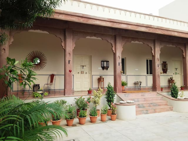 JASWANT NIWAS-5 Private Rooms for Family & Friends
