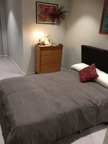 Stylish Kingston Foreshore Room - Kingston
