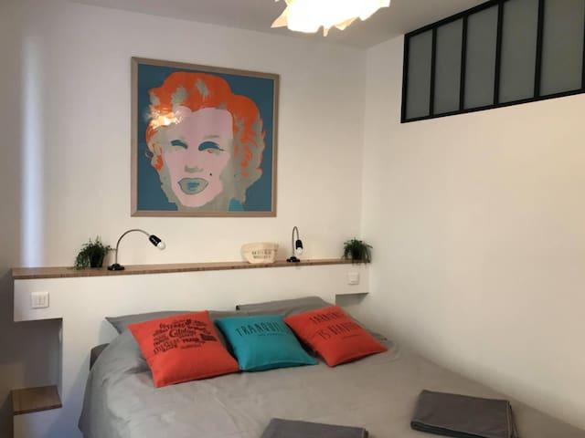 La chambre lit en 160