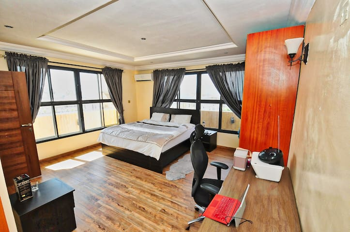 Deluxe King Suite Penthouse - Eti-Osa - Appartement