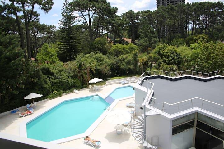 Beautiful well-located summer condo - Punta del Este - Apto. en complejo residencial