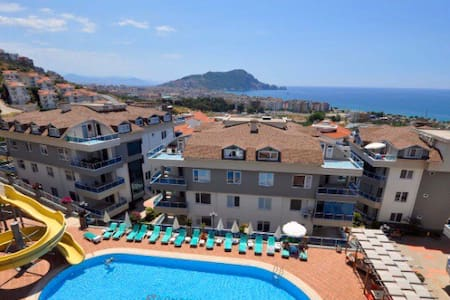 Luxury Penthouse 3 Bedroom  Pool / Sea View