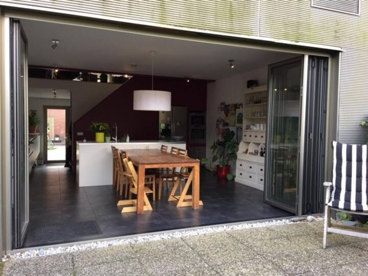 Lovely large family home with garden east Amsterdam
