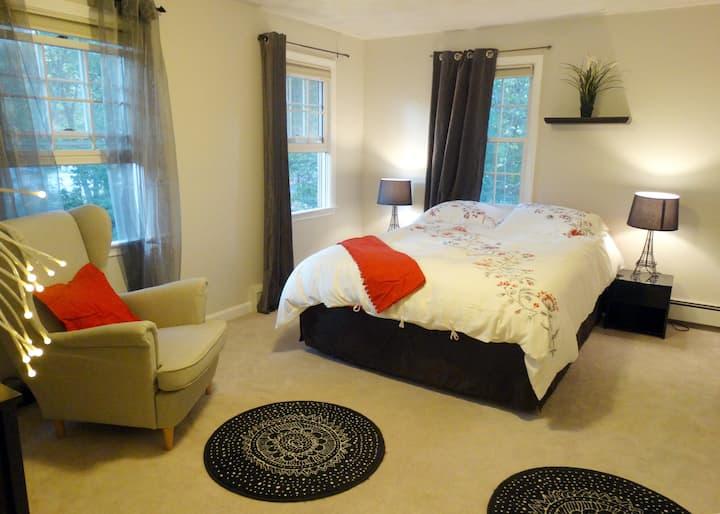 Lovely room next to Nashoba Valley Ski Area