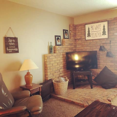 Cozy 2 Bedroom Condo at Big White Ski Resort