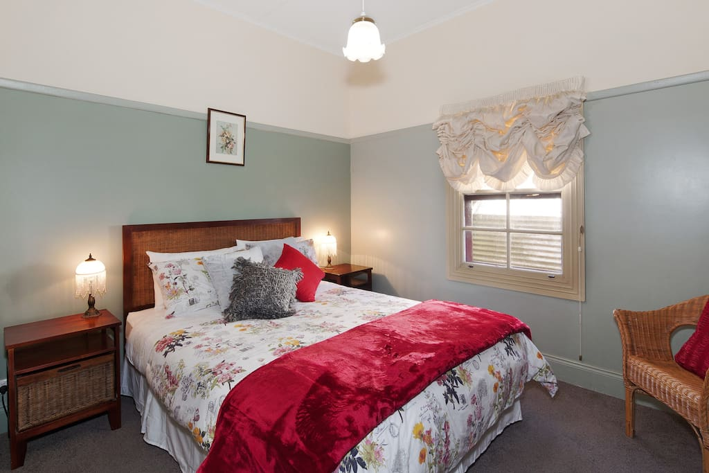 There are 2 bedrooms with Queen beds