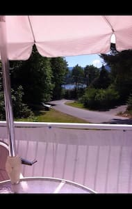 Cottage by the Lake in Youbou BC Canada - Youbou - 小木屋