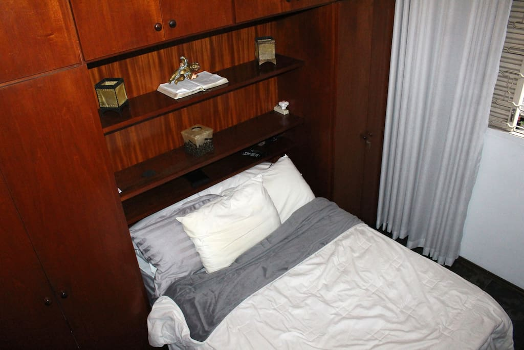 O hóspede tem à disposição também uma parte do armário