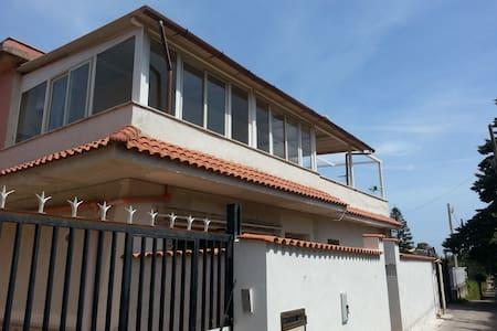 Appartamento,zona mare, vista monte - Cinisi - Appartamento