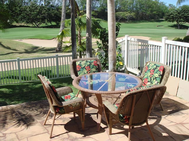 Aloha Special! Quiet 3 Bedroom Villa w/ Golf Cart!