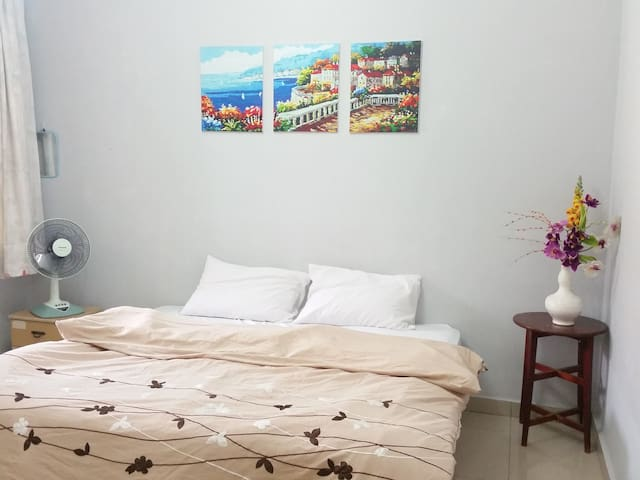 HOT! Short term lodging near LRT - Ampang - Dom