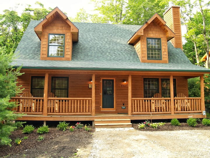 Cedar Creek Lodge Luxury Cabin