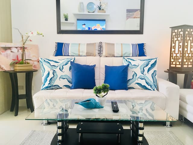 Cozy Shore Residences staycation