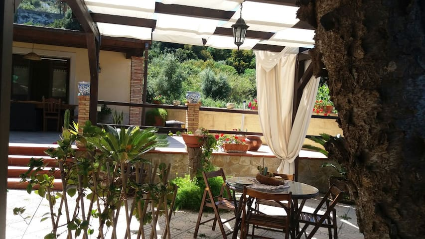 Villa Grazia relax fra Siracusa e Catania - Brucoli - Rumah