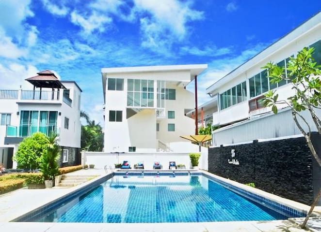 New 2 Bedroom Townhouse near Kamala Beach