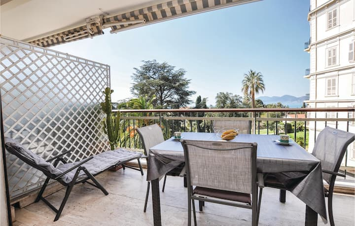 Holiday apartment with 1 bedroom on 45m² in Cannes