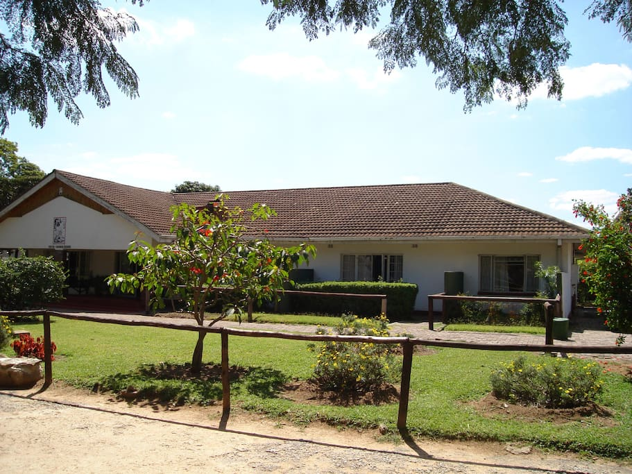 Theresia bed and breakfasts for rent in harare harare for Beds zimbabwe