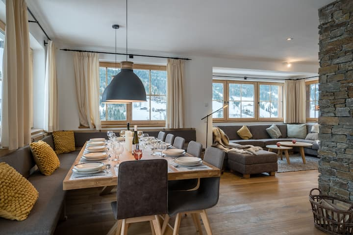 Luxurious Chalet with Sauna on Sunny Slopes in Mühlbach
