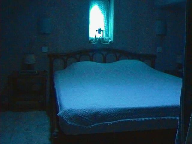 Lit en 160 L Chambre