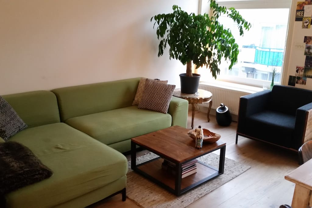 Sit down and relax with friends in our chilled out livingroom. Talk to the tree, or just be quiet and enjoy the fact you are in Amsterdam!