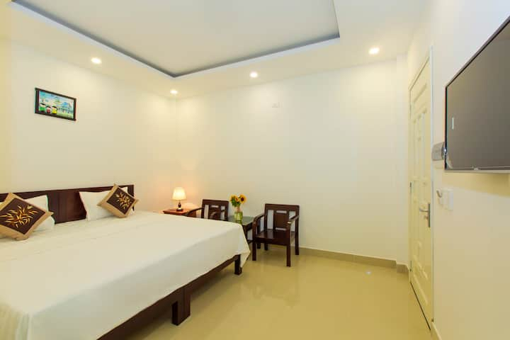 Cozy room w/private external WC_Pebble Homestay