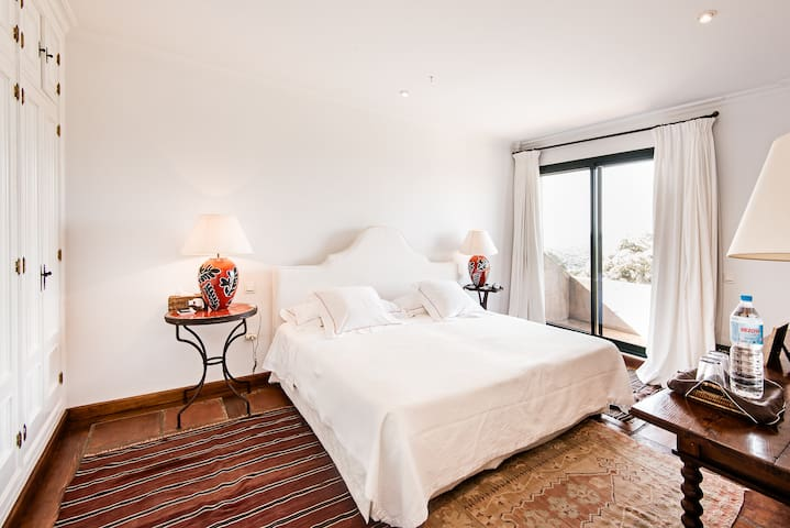 Alisoso, a luxurious spanish villa - Benalup-Casas Viejas - Villa