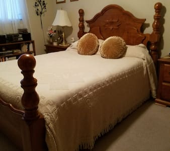 GREAT BOOKING, NICE & HOMEY, near GRCC. BEST DEAL