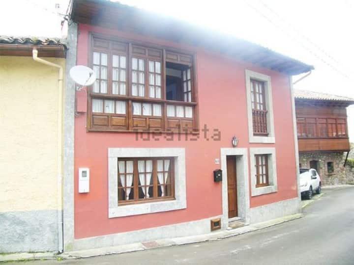 Casa de aldea en Naves  (llanes)