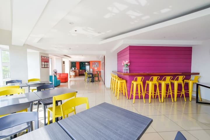 Cafe, bar and lounge of MySpace Hotel @BGC