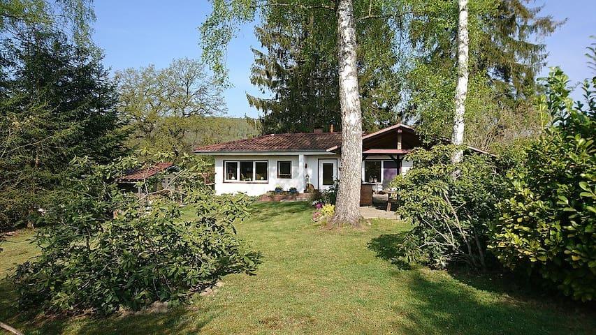 Haus für 2-4 Pers. gr. Garten mitten in der Natur