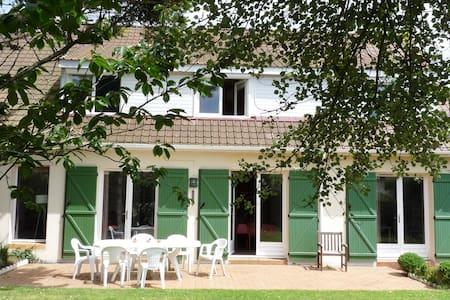 Villa familiale proche mer et centre - Neufchâtel-Hardelot