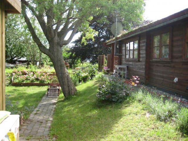 Romantisk hytte ved Arresø - Hillerød - Casa
