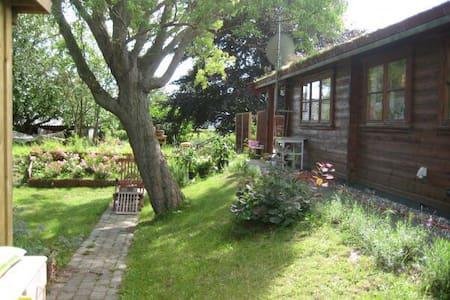 Romantisk hytte ved Arresø - Hillerød - Dom