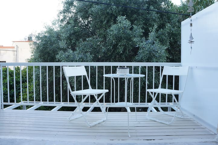 Cosy small apartment close to the beach - Tolo - Apartamento