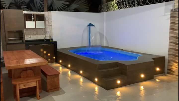 Casa de alto padrão em Guriri com piscina