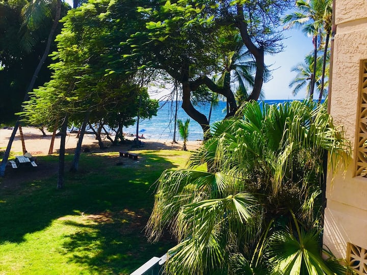 Beach Ocean View Condo at a Great Value & Walking Distance to Beach and Town! - Kona Reef B-21