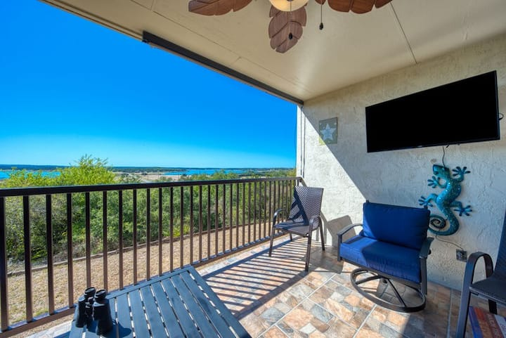 Disinfecting Between Bookings - Blissful View Condo at Canyon Lake!