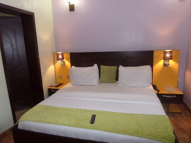 Downtown Royal Hotel GRA - Classic Room