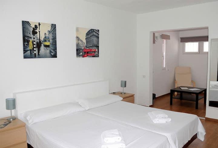 Habitacion doble grande en hotelito en Costa Adeje