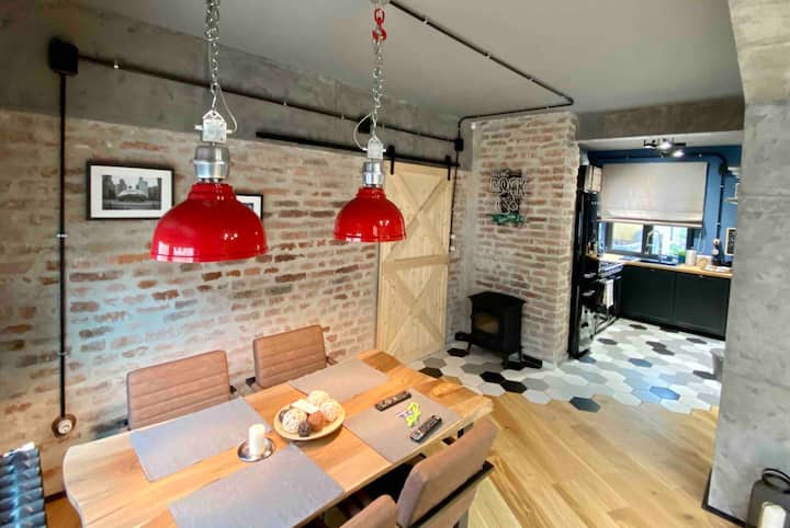 Cosy industrial style apt in the heart of Sofia