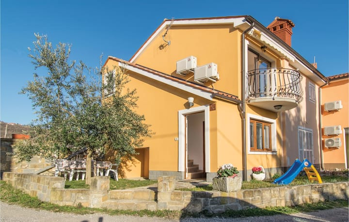 Semi-Detached with 1 bedroom on 45m² in Ankaran