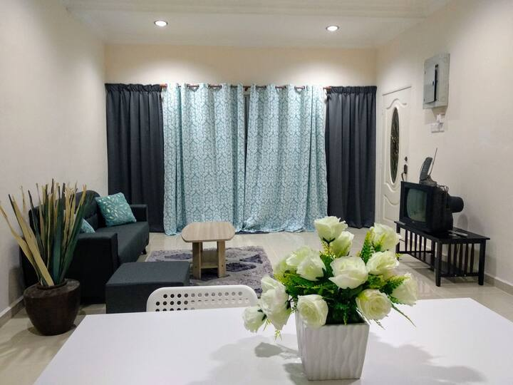 AKAR GUEST HOUSE -TAMAN SARI KOTA BHARU (2 B/ROOM)