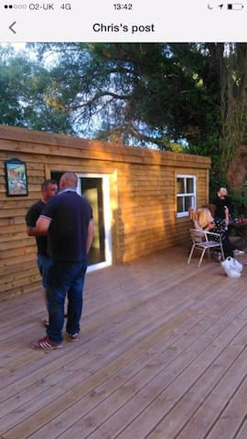 Lakeside Retro cabin with bed and bar fishing - East Riding of Yorkshire - Stuga