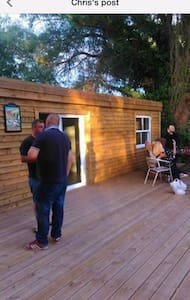 Lakeside Retro cabin with bed and bar fishing - East Riding of Yorkshire - Cabin