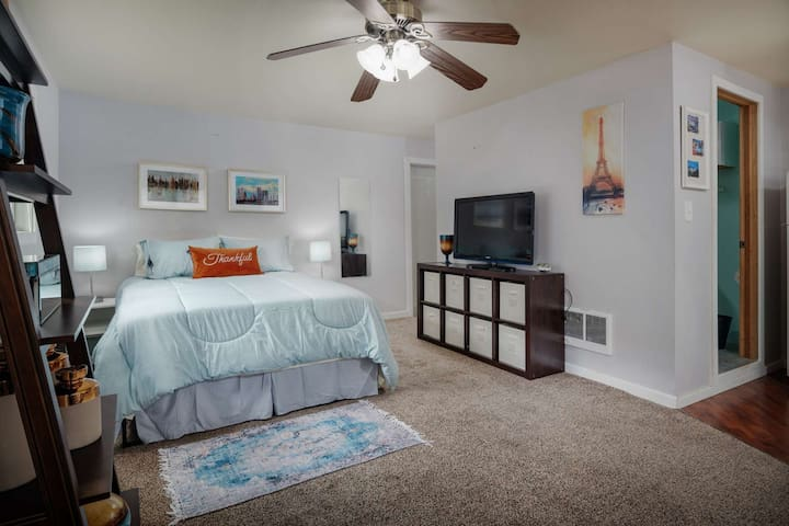 Rustic Southwest Portland Studio Retreat With Fire Pit BBQ Under 20 Minutes To Downtown Portland