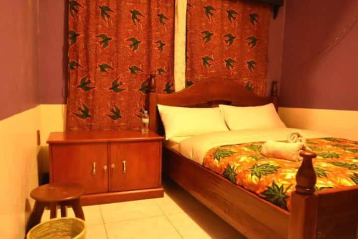 AMAHORO GUEST HOUSE-SINGLE ROOM